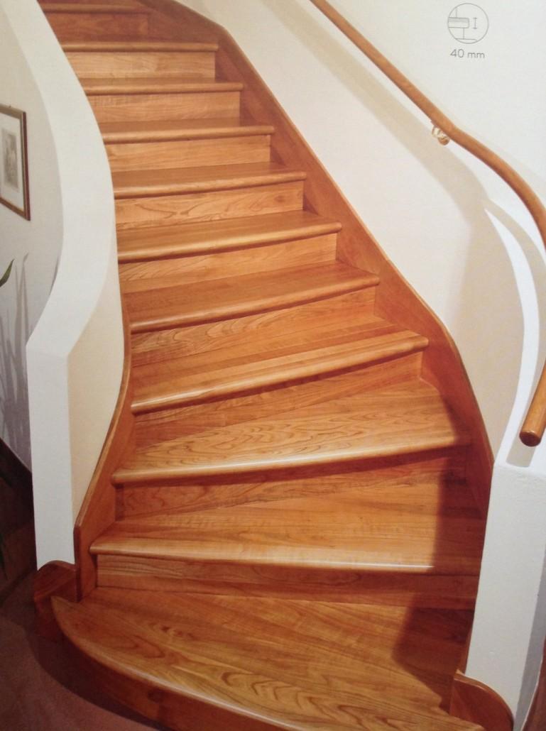 Rivestire scale interne piastrelle per rivestire una for Rivestire una scala in legno