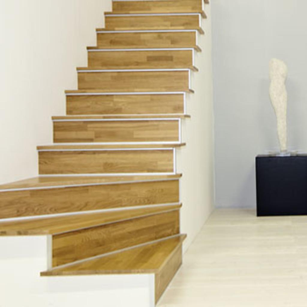 Scale idea pavimenti for Gradini in legno prezzi